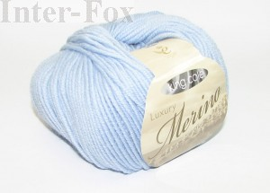 Luxury Merino Superwash, kolor 2620 Arctic Blue-niebieski.