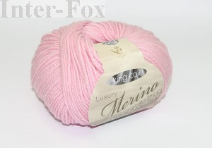 Luxury Merino Superwash, kolor 2623 Carnation-różowy.